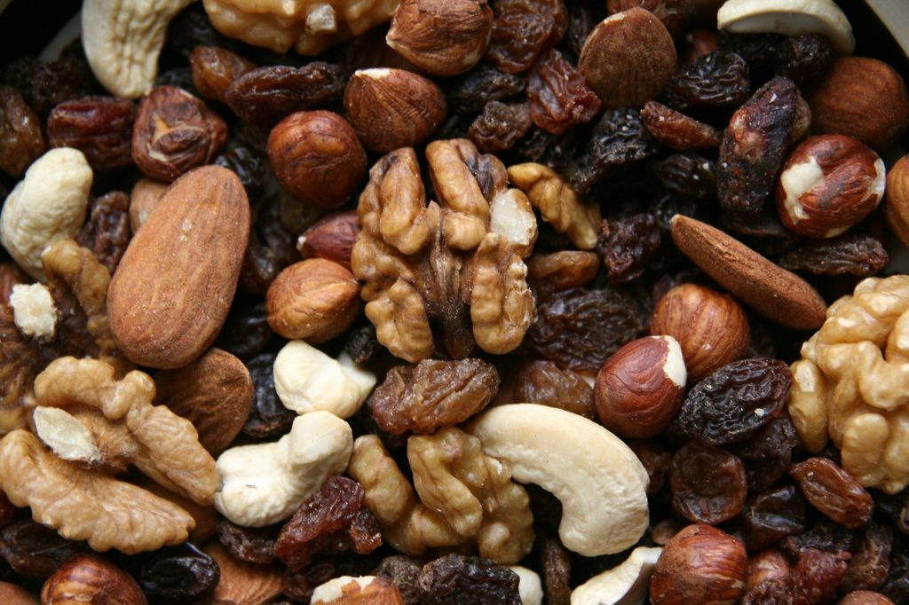 Trail mix is great for providing energy while golfing. Easy to eat and cheap.